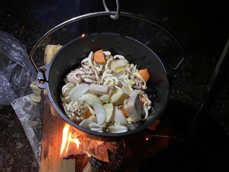 ダッチオーブントマト煮作り方2