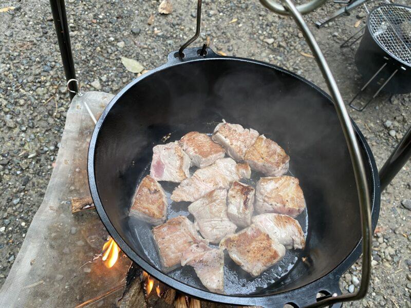 ダッチオーブン豚ブロック角煮